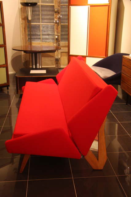 canape italien annees 50 en frene. Black Bedroom Furniture Sets. Home Design Ideas