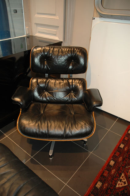 fauteuil charles eames et herman miller. Black Bedroom Furniture Sets. Home Design Ideas