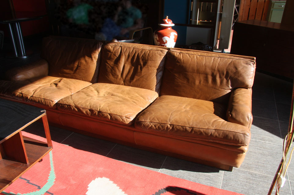 Canape 3 places en cuir de la maison du danemark for Canape de bonne qualite