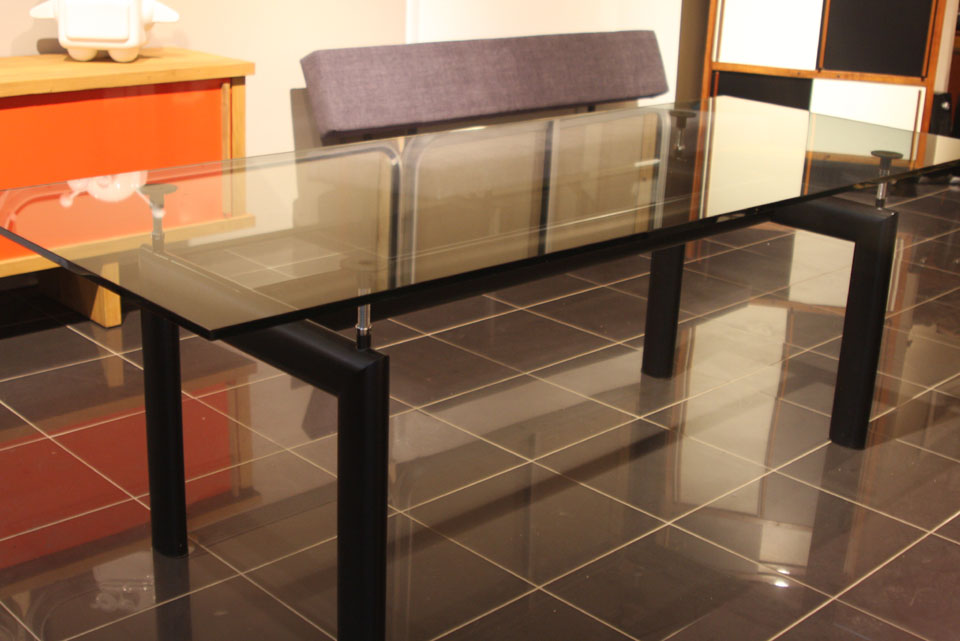 table lc6 le corbusier perriand jeanneret. Black Bedroom Furniture Sets. Home Design Ideas