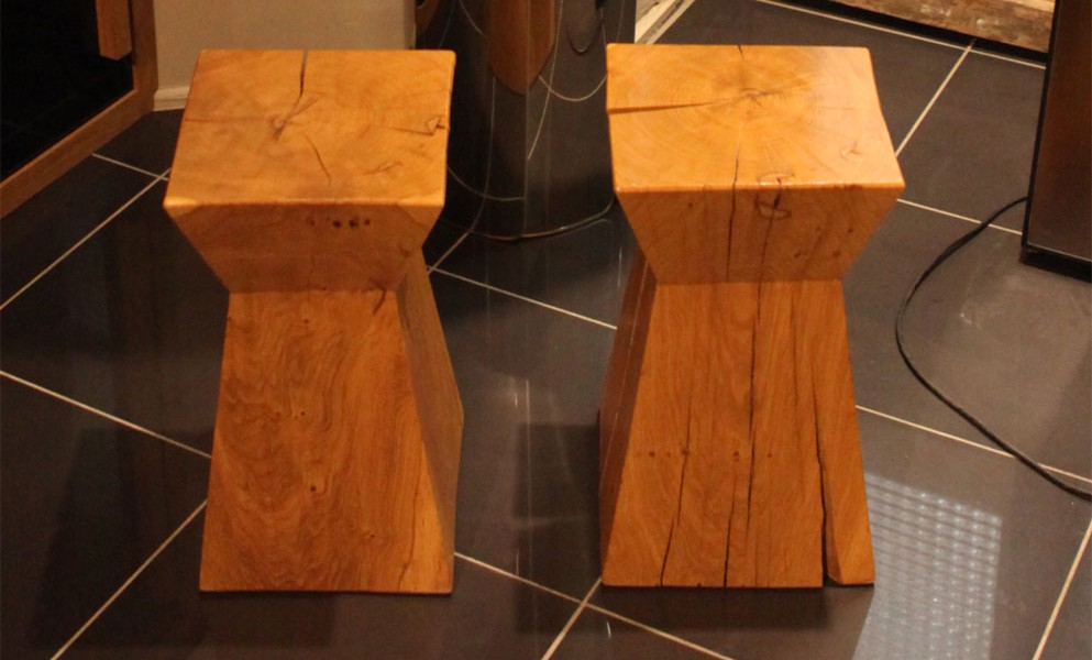 paire-sculpture-tabouret-bois