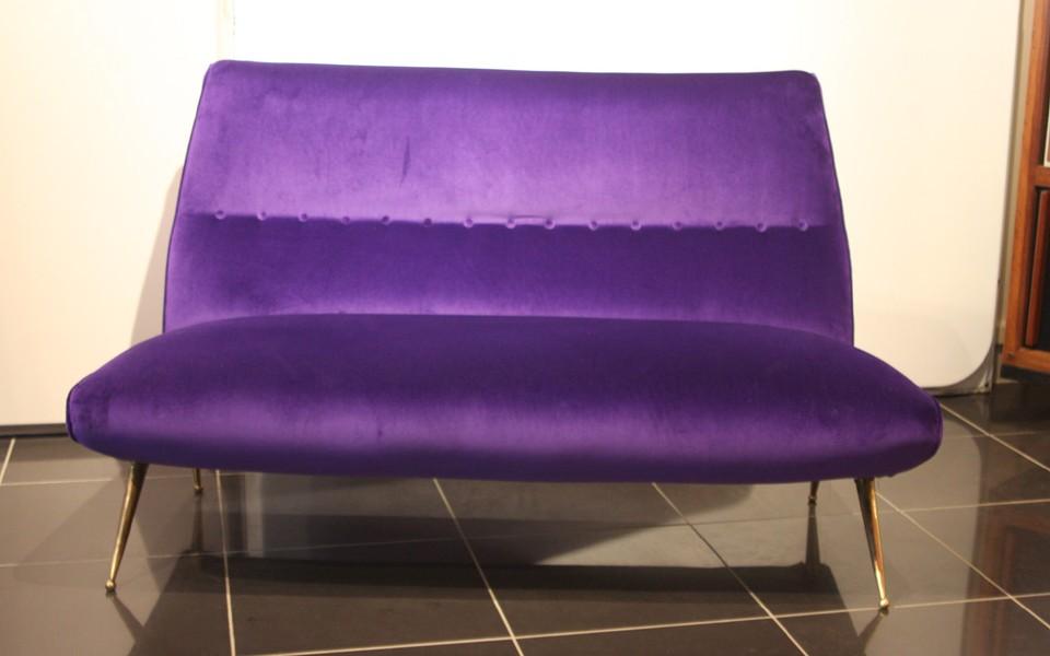 39Galerie présente un canape violet