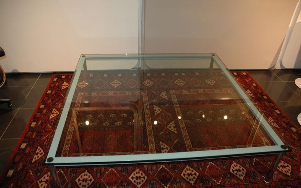 table basse cassina lc10 inspiration le corbusier 39galerie s b et 39galerie immobilier lyon. Black Bedroom Furniture Sets. Home Design Ideas