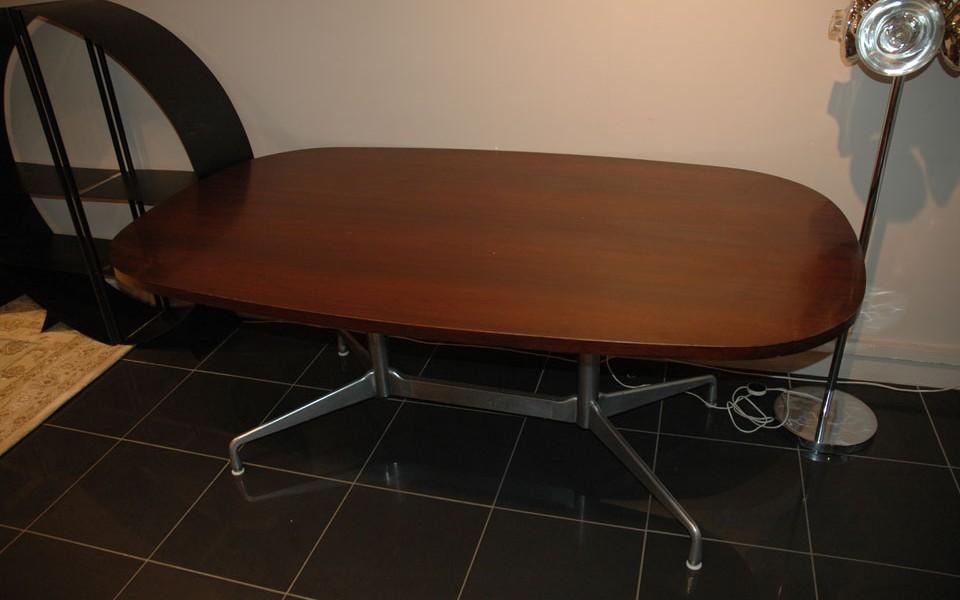 grande table salle manger herman miller des ann es 70s 39galerie s b et 39galerie immobilier. Black Bedroom Furniture Sets. Home Design Ideas