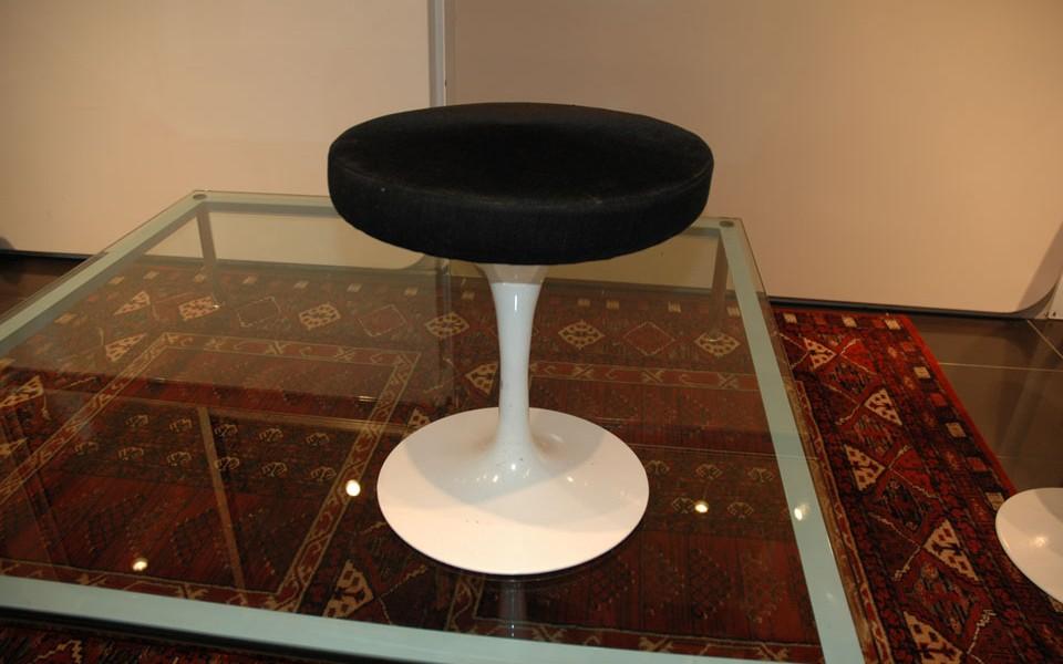 tabouret tulip eero saarinen 39galerie s b et 39galerie. Black Bedroom Furniture Sets. Home Design Ideas