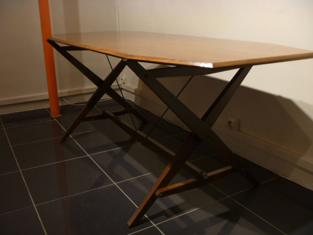 Table bureau architecte de Franco Albini présenté par 39Galerie